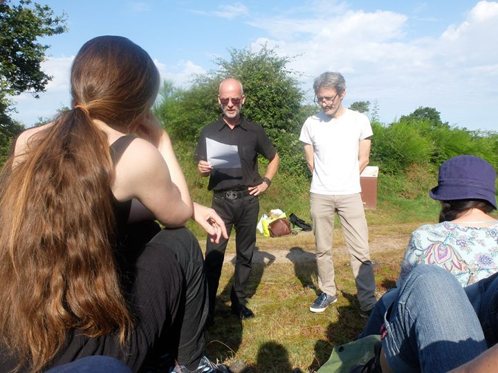 Lecture avec Ana Tot, sur le site de Boutavent, à Iffendic