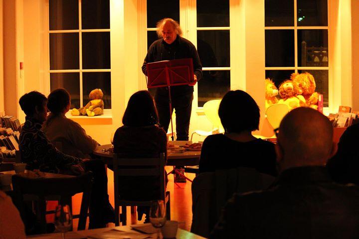 Quelques photos de la Nuit de la Lecture organisée par Dixit Poétic, en mode…